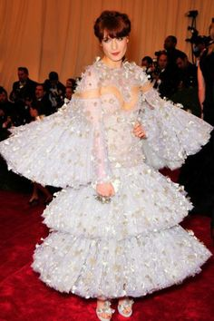 Oh Florence. Don't you just want to twirl and twirl in this?