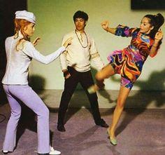Bruce Lee supervises Sharon Tate (left) and Nancy Kwan