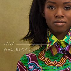 VLISCO STYLING TIP   Do you have a small piece of fabric left? Use it for a collar! Combine different fabrics to form a beautiful contrast like this Java and Wax-block.   #fashion #stylingtip #styling #dutchwax #waxhollandais