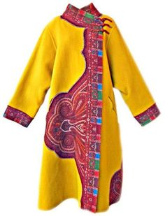 Oscar de la Rente Asian inspired wearable art trapeze coat.   Oscar copied Marydan Mies who made and wore this almost exact coat 40 some years ago !!!!!    kc