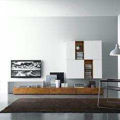 länglicher hängeschrank mit hellbraunem sattelleder von hÜlsta ... - Hangeschrank Wohnzimmer Modern