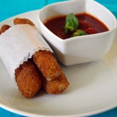 Mozzarella Sticks by Life Tastes Good are homemade, double breaded, and delicious! Yummy Appetizers, Appetizer Recipes, Snack Recipes, Snacks, Appetizer Ideas, Mozzarella Cheese Sticks, Recipes From Heaven, Appetisers, Mcdonalds