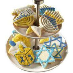 Almond Hanukkah Cookies ~ by Wilton.com Feliz Hanukkah, Hanukkah Food, Hanukkah Decorations, Jewish Hanukkah, Happy Hanukkah, Wilton Cake Decorating, Cake Decorating Tools, Cookie Decorating, Decorating Ideas