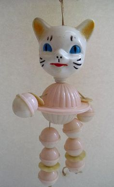 Vintage plastic crib toy / rattle.. .