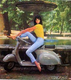 Vintage Motorcycles Vespa calendar pin-up girl from by Micky More Smart Vespa Bike, Motos Vespa, Piaggio Vespa, Vespa Scooters, Vespa Vbb, Vintage Vespa, Vintage Cars, Vintage Ideas, Vintage Images