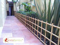Resultado de imagem para cerca de bambu