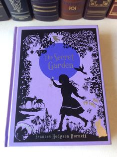 The Secret Garden by Frances Hodgson Burnett - leather-bound Fast Growing Hedge, Growing Tree, Types Of Mulch, Campsis, Secret Garden Book, Evergreen Hedge, Wooden Screen, Different Types Of Wood, Garden Quotes