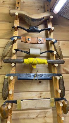Green Woodworking, Woodworking Hand Tools, Wood Tools, Woodworking Videos, Woodworking Tools, Wood Knife, Wood Spoon, Workshop Studio, Workshop Ideas