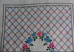 Rugs, Home Decor, Cross Stitch Embroidery, Punto De Cruz, Dots, Blue Prints, Farmhouse Rugs, Decoration Home, Room Decor