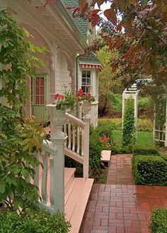 Brambly Home And Garden: Dream Cottage Garden Ideas Are you kidding me how do i get to this house? Garden Cottage, Cozy Cottage, Cottage Homes, Home And Garden, Cozy House, Southern Homes, Country Homes, Southern Charm, Southern Porches