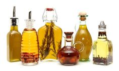 How to Make Homemade Flavored Oils Add extra flavor and aroma to cooking oils with herbs, spices, citrus, nuts, and aromatics Flavored Olive Oil, Flavored Oils, Infused Oils, How To Make Homemade, Homemade Gifts, Olives, Essential Oils Christmas, Do It Yourself Food, Hanukkah Food
