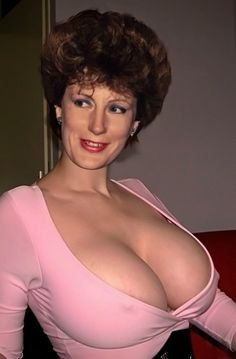 If you just see her head, you would not expect such a cleavage. :-)
