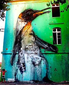 Bordalo with his work in Bordeaux, FR, 8/15 (LP)