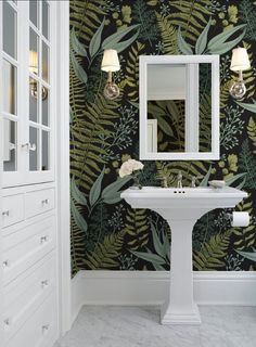 15 Popular Bathroom Wallpaper Ideas - There is a wide range of wallpaper borders to choose from many of which are designed with just the bathroom in mind. Boho Bathroom, Bathroom Colors, Bathroom Styling, Bathroom Sets, Bathroom Trends, Downstairs Bathroom, Bathroom Mural, White Bathrooms, Bathroom Goals
