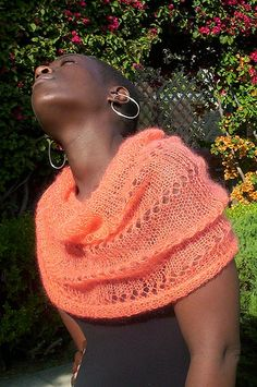 Ravelry: Lace Capelet pattern by Mary Heather Browne Knit Shrug, Knitted Cape, Capelet, Knitted Shawls, Crochet Scarves, Knit Crochet, Crochet Hats, Lace Knitting, Knitting Stitches