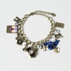 i want this Global Gold Charm Bracelet Cute Jewelry, Body Jewelry, Jewelry Box, Jewelry Accessories, Fashion Accessories, Jewlery, Cute Bracelets, Charm Bracelets, Fancy Nancy
