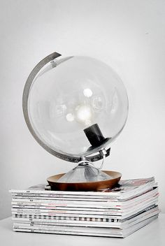 DIY globe lamp - what a great idea!