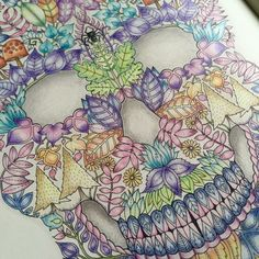Johanna Basford | Picture by Sue Shaw | Colouring Gallery  Faber-Castell Polychromos