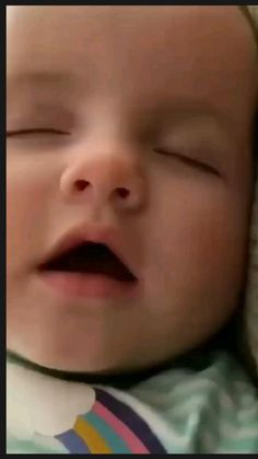 Cute Funny Baby Videos, Cute Funny Babies, Funny Videos For Kids, Funny Kids, Kids Videos, Cute Little Baby Girl, Cute Baby Girl Pictures, Baby Boy Photos, Baby Memes
