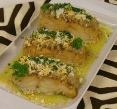 Bacalhau Tostado | ReceitaseMenus.net Cod Recipes, Fish Recipes, Seafood Pasta Recipes, Cod Fish, Portuguese Recipes, Portuguese Food, Food Club, Fish Dishes, Mediterranean Recipes