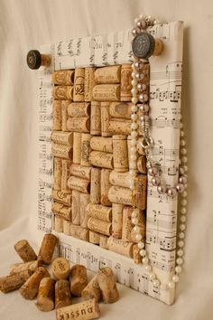 This wine cork board has a sheet music frame. A great idea for wall decoration. Cool Wine Cork Board Ideas, http://hative.com/cool-wine-cork-board-ideas/,