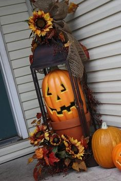 Front porch fall decor for Halloween/Fall.  Just remove jack-o-lantern and replace with pumpkin and moss, greenery, etc. to finish out Fall season.