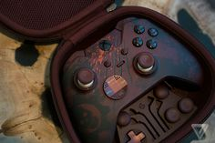 Gears of War 4 is getting a ridiculously awesome Xbox Elite controller Custom Xbox One Controller, Ps4 Controller, Video Game Rooms, New Video Games, Xbox One S, Xbox One Games, Twitch Streaming Setup, Xbox Accessories, Mode Geek