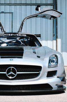 SLS GT3 AMG.Luxury, amazing, fast, dream, beautiful,awesome, expensive, exclusive car. Coche negro lujoso, increible, rápido, guapo, fantástico, caro, exclusivo.