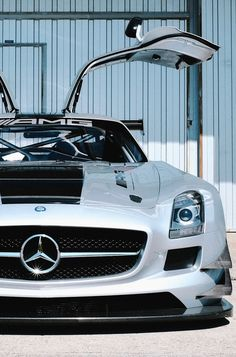 SLS GT3 AMG.Luxury, amazing, fast, dream, beautiful,awesome, expensive, exclusive car. Coche negro lujoso, increible, rápido, guapo, fantástico, caro, exclusivo.