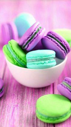Macaron Wallpaper, Food Wallpaper, Wallpaper Iphone Cute, Colorful Wallpaper, Macarons, Macaron Cookies, Unicorn Food, Cute Food, Yummy Food