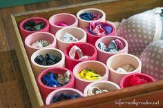 Una idea genial! ¡Tubos de PVC para tener ordenados los cajones, ordenar los cajones de ropa interior, calcetines, no tienes excusa para tener desordenados tus cajones! Con un coste mínimo unos cajones 10! Nos encanta la idea