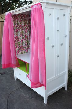 Little girl dress up storage @Steven Castagnola, @Kristy Rodriguez