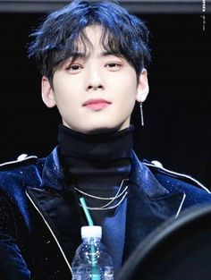 Lee Dong Min, Cha Eun Woo Astro, Sanha, Mini Albums, Crushes, It Cast, Entertaining, Face, Extended Play