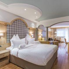 Hotel per Adulti Alpin Garden a Ortisei, Bolzano Wellness, Luxury, Bed, Garden, Furniture, Home Decor, Decoration Home, Room Decor, Lawn And Garden