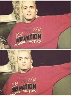 Omg my fav Slim Shady pic Eminem Funny, Eminem Memes, Eminem Lyrics, Eminem Rap, Eminem Music, Eminem Smiling, Eminem Wallpapers, Best Rapper Ever, Eminem Photos