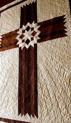 Cross Quilt Carpenters' Star Cross Queen / King by QuiltPatterns Longarm Quilting, Free Motion Quilting, Machine Quilting, Quilting Projects, Quilting Designs, Quilting Ideas, Quilting Tutorials, Quilting 101, Sewing Projects