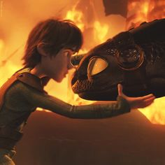 Hiccup cares so much about him Toothless Dragon, Hiccup And Toothless, Dragon 2, Dreamworks Dragons, Httyd 2, Dragon Trainer, Night Fury, How To Train Your Dragon