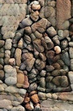 Creative Diy Ideas For Pebble Art Crafts Steinkunst Stone Crafts, Rock Crafts, Arts And Crafts, Art Crafts, Stone Mosaic, Mosaic Art, Camping Am Meer, Art Rupestre, Art Pierre