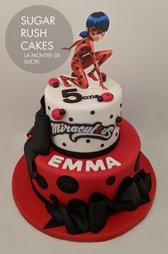 torta de juli Ladybug Cakes, Meraculous Ladybug, Ladybug Birthday Cakes, Ladybug Cake Pops, Comics Ladybug, Bolo Miraculous Ladybug, Bolo Sonic, Ladybug And Cat Noir, Baby Girl Cakes