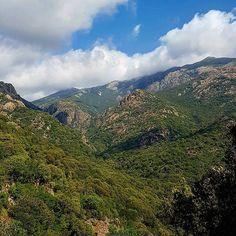 I bellissimi panorami della zona di Villacidro lasciano sempre senza fiato... #escursione #piscinairgas #montimannu #villacidro #montelinas #sardegna #sardinia #italia #italy #escursionismo #trekking #hiking #hike #natura #nature #cloudporn #clouds #nuvole #skyporn #montagna #mountain #panorama #landscape #sentiero #trail #outdoor #veganhiker #vegantrekker #vegantraveller #veganbackpacker