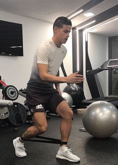 James training big time 25.11.16 James Rodriguez, Football S, World Football, Real Madrid Soccer, Soccer Boys, Soccer Players, Weight Training, Gym Motivation, Athlete