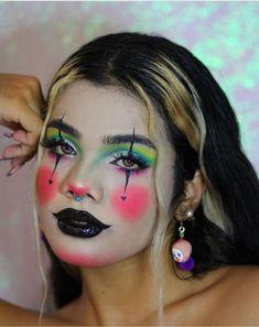 Clown Face Makeup, White Face Makeup, Face Paint Makeup, Scary Makeup, 80s Makeup, Cool Makeup Looks, Creative Makeup Looks, Pretty Makeup, Amazing Halloween Makeup