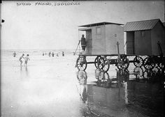 Bathing Machines, Scheveningen [between ca. 1910 and ca. Bathing Machines, Scheveningen (LOC) by The Libr. Vintage Photographs, Vintage Photos, Vintage Stuff, Small Flags, Canvas Tent, Vintage Bikini, Beach Ready, Library Of Congress, Photo Library