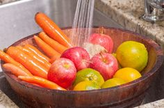 2 Simple Tricks To Remove Pesticides From Fruits And Vegetables!