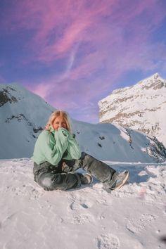 Mode Au Ski, Poses Photo, Snow Pictures, Best Skis, Fotos Goals, Ski Season, Winter Pictures, Christmas Pictures, Winter Photography