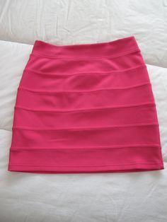 Falda elástica. Talla M H PVP. 5€+ gastos de envío