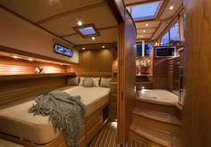 Cozy but elegant guest bedroom in the luxury yacht Sabre 40...