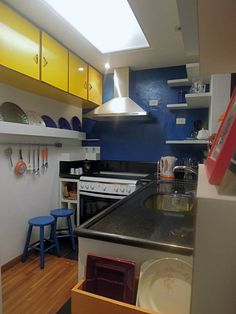 Cozinha color block.