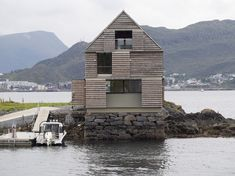 Image 11 of 45 from gallery of Weekend House Straume / Knut Hjeltnes. Courtesy of Knut Hjeltnes sivilarkitekter MNAL AS Alesund, Architecture Office, Residential Architecture, Amazing Architecture, Clad Home, House Of The Rising Sun, Industrial Cafe, Weekend House, Steel Frame