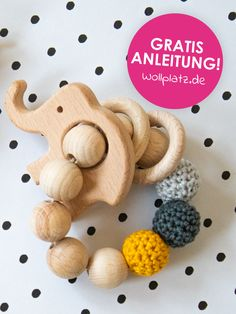 Holzspielzeug Baby - All the baby stuff :) Baby Knitting Patterns, Crochet Patterns, Diy Bebe, Wooden Baby Toys, Baby Mobile, Crochet Bebe, Barbie, Free Pattern, Creations
